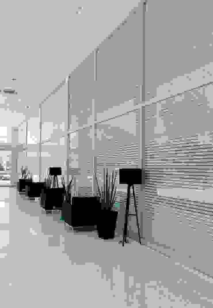 Projeto arquitetônico de área interna comum do America Office Center Corredores, halls e escadas ecléticos por ArchDesign STUDIO Eclético