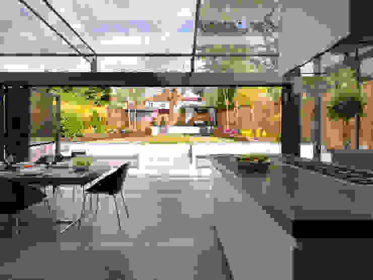 Mount Pleasant Modern kitchen by Simply Italian Modern