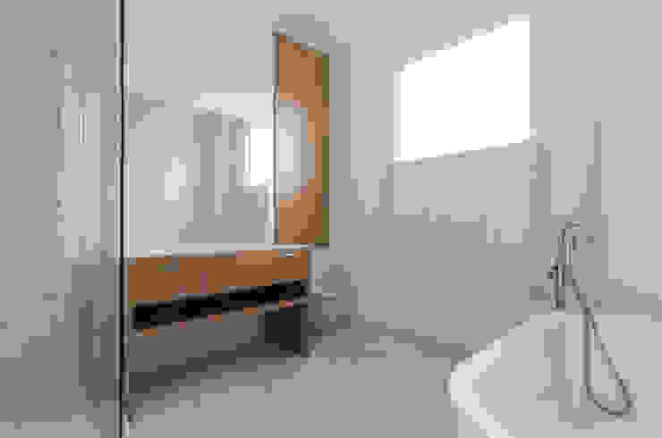 Baños de estilo  por Powell Picano , Moderno
