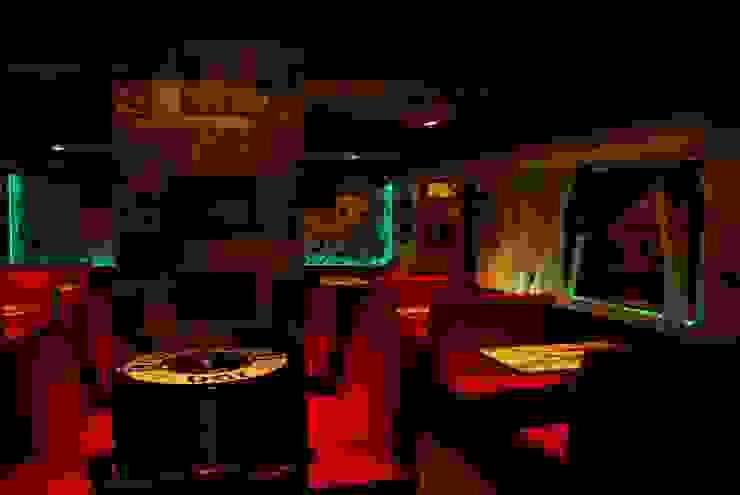 ROMANTIC. ROCK CAFE. CORNELLA. BARCELONA. Gastronomía de estilo ecléctico de INTERTECH ESPACIO CREATIVO Ecléctico