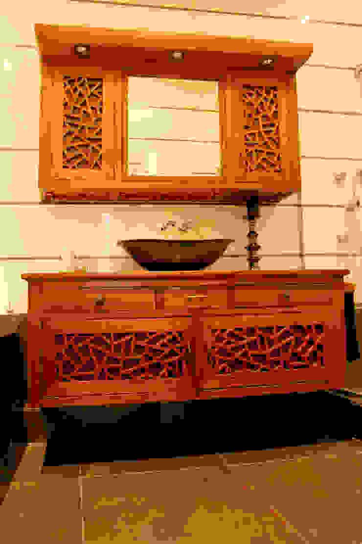 Custom made bathroom set. Salle de bain originale par Matahati Éclectique