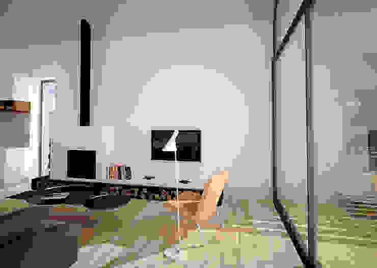 Skandinavische Wohnzimmer von PB/STUDIO Skandinavisch