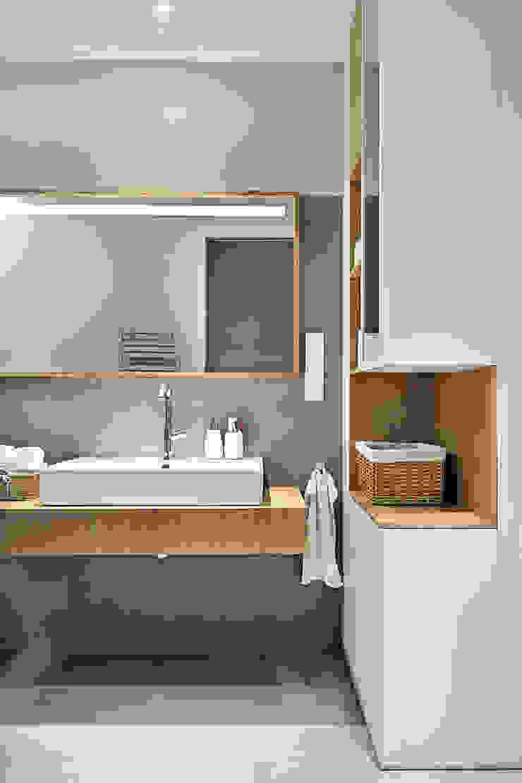 Apartament SW Minimalistyczna łazienka od PB/STUDIO Minimalistyczny