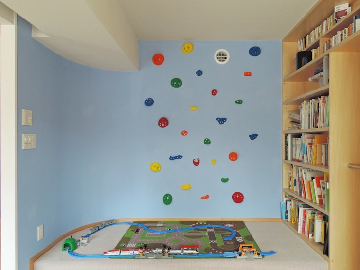 Eclectic style nursery/kids room by 株式会社エキップ Eclectic