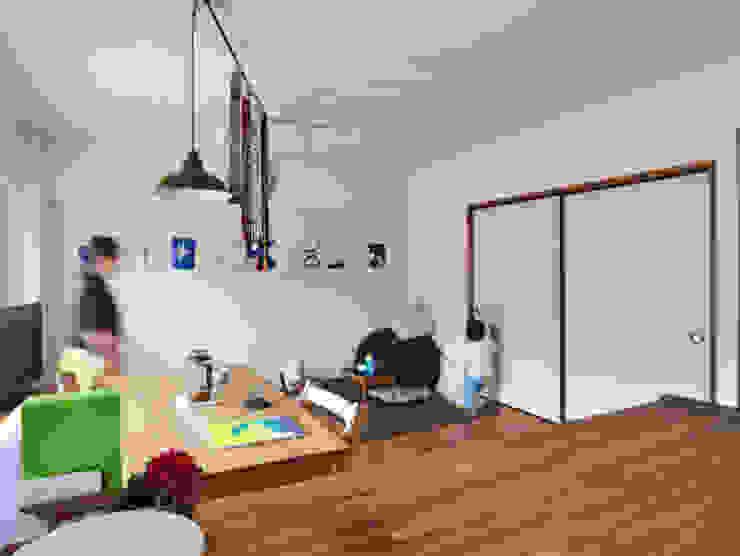木のぬくもりに囲まれた家 すくすくリノベーション vol.3 オリジナルデザインの リビング の 株式会社エキップ オリジナル