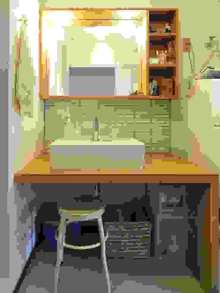 木のぬくもりに囲まれた家 すくすくリノベーション vol.3 オリジナルスタイルの お風呂 の 株式会社エキップ オリジナル