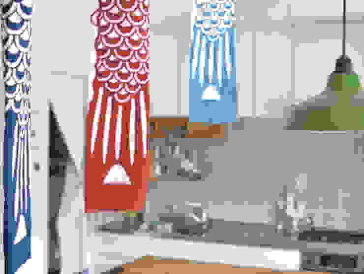 木のぬくもりに囲まれた家 すくすくリノベーション vol.3 オリジナルデザインの キッチン の 株式会社エキップ オリジナル