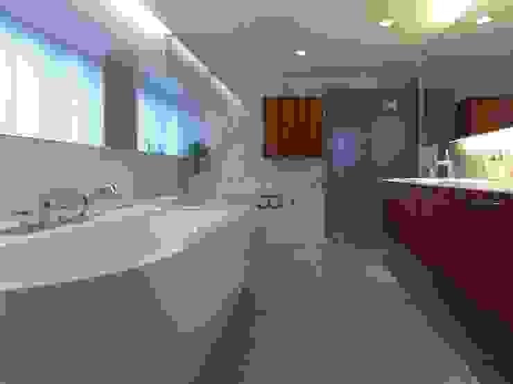 ダブルリビングのある家 すくすくリノベーション vol.1 オリジナルスタイルの お風呂 の 株式会社エキップ オリジナル