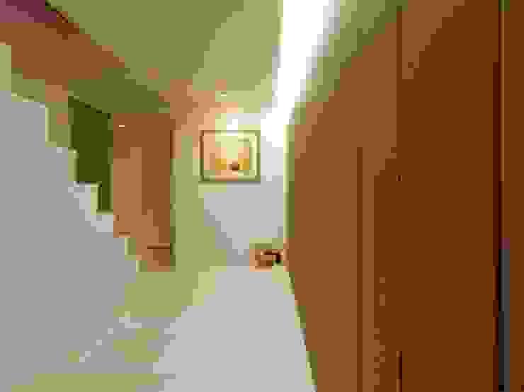 ダブルリビングのある家 すくすくリノベーション vol.1 オリジナルスタイルの 玄関&廊下&階段 の 株式会社エキップ オリジナル