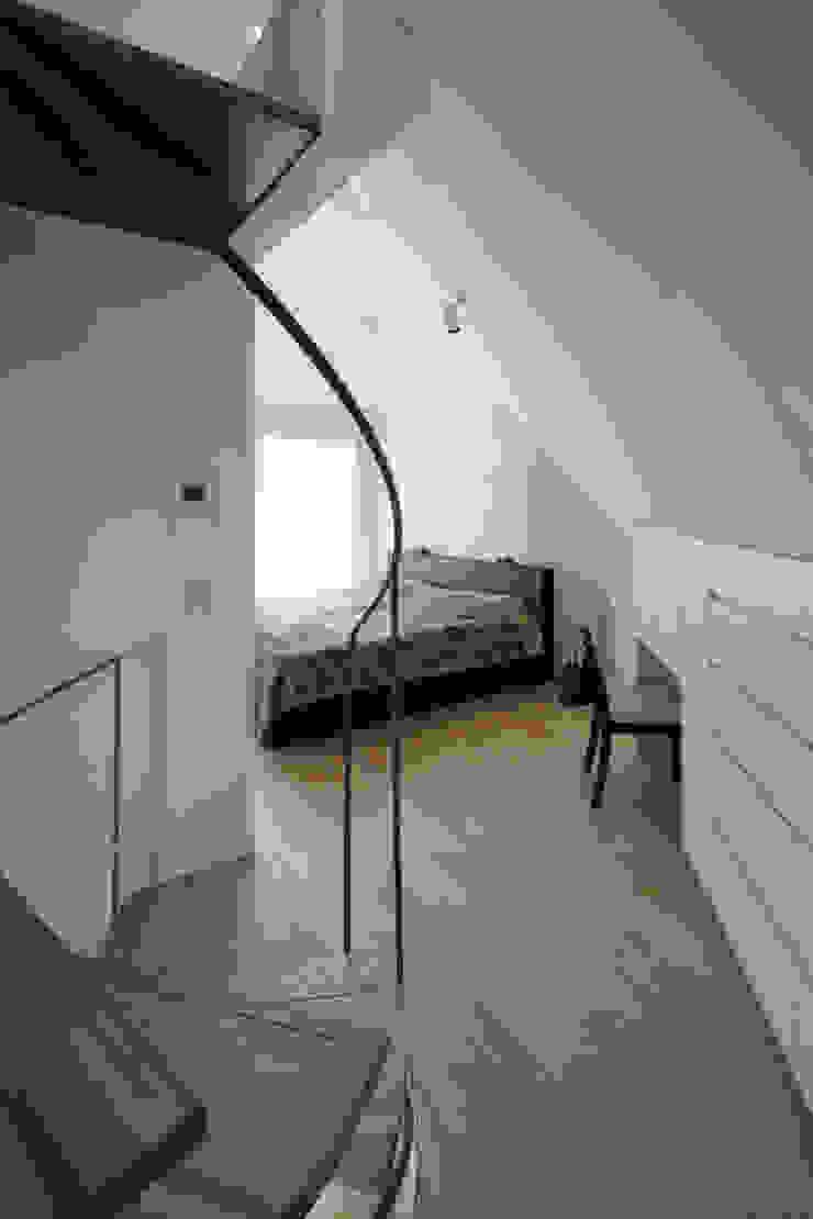 長浜信幸建築設計事務所 Dormitorios de estilo moderno