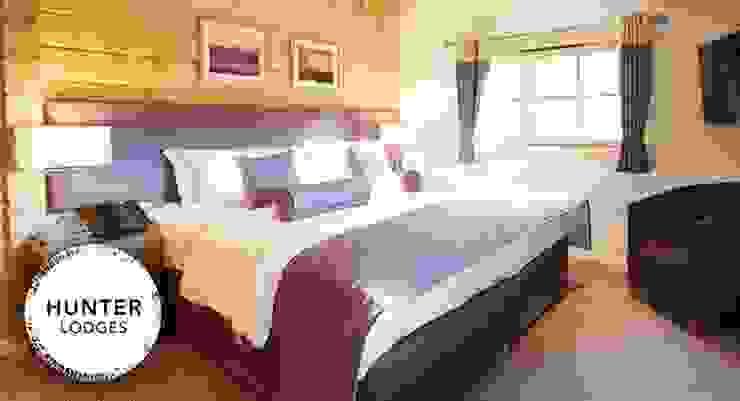 Double bedroom Modern style bedroom by Lodgico Ltd Modern