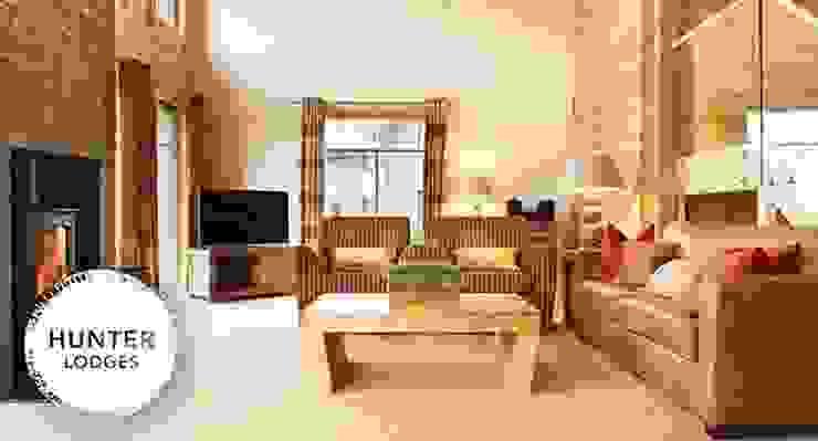 Hunter Lodges at Celtic Manor Resort Modern living room by Lodgico Ltd Modern