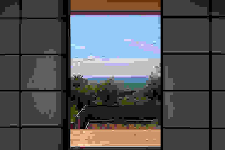 長浜信幸建築設計事務所 Scandinavian style balcony, veranda & terrace