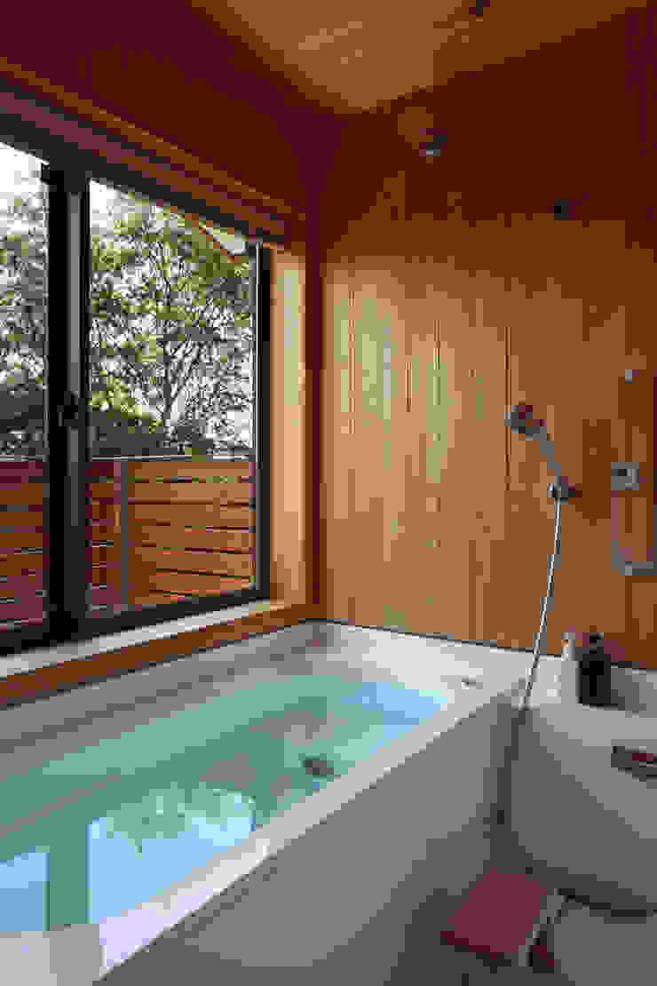 大磯の家 北欧スタイルの お風呂・バスルーム の 長浜信幸建築設計事務所 北欧