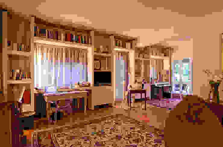 Arredare una villa per uso abitativo e lavorativo Stanza dei bambini in stile classico di Darchitettura Classico