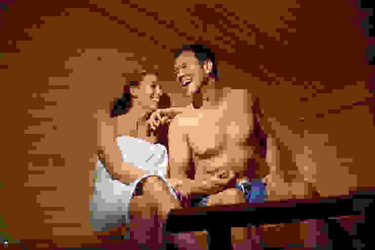 Hunter Lodges at Celtic Manor Resort Modern spa by Lodgico Ltd Modern
