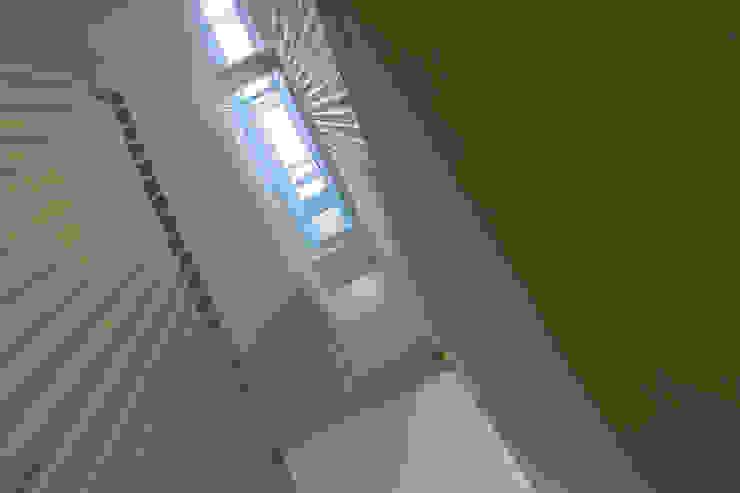 Überbauung Walke Moderner Flur, Diele & Treppenhaus von Alberati Architekten AG Modern