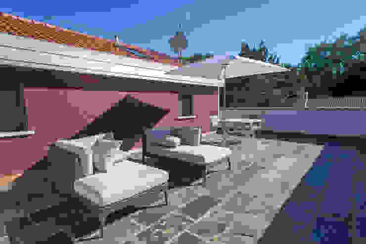Andrea Tommasi Mediterranean style balcony, porch & terrace