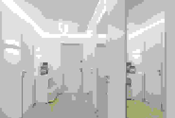 WHITE & WHITE ANNA SHEMURATOVA \ interior design Коридор, прихожая и лестница в стиле минимализм