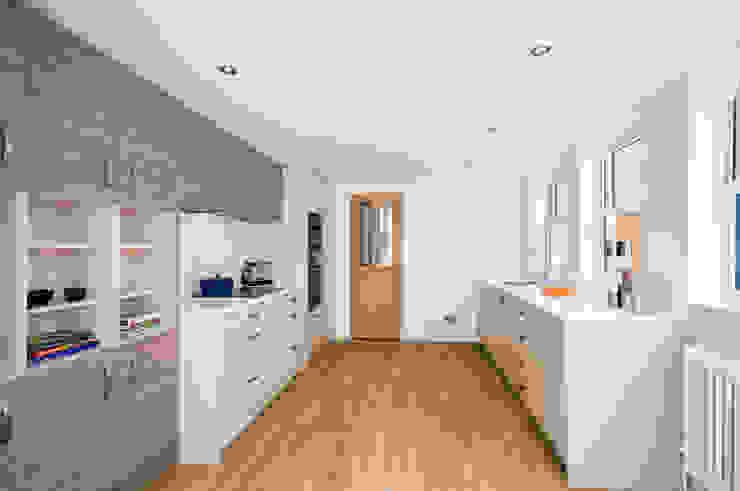 Refurbishment Project de Price Kitchens Moderno