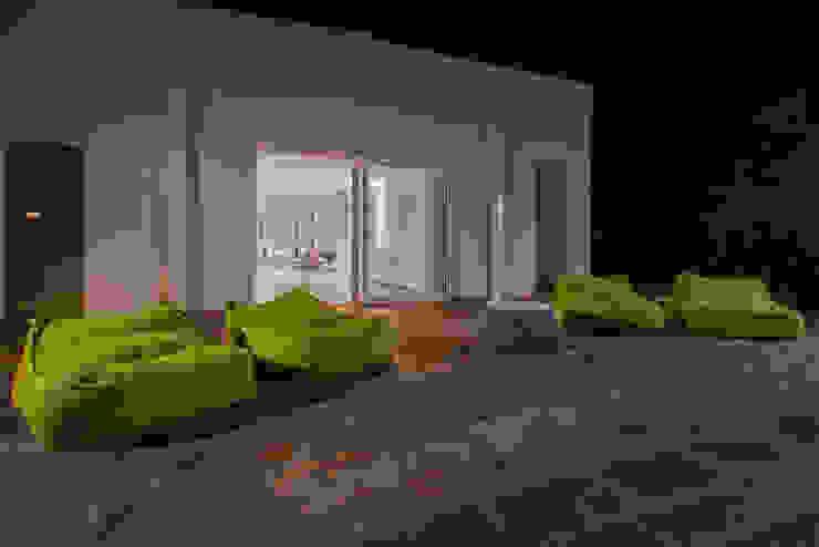 Interior Andrea Tommasi - Giardino in stile mediterraneo di Andrea Tommasi Mediterraneo