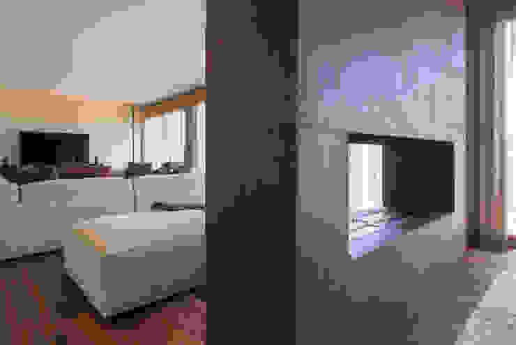 Residenza Colli Veneti Sala da pranzo moderna di Andrea Tommasi Moderno