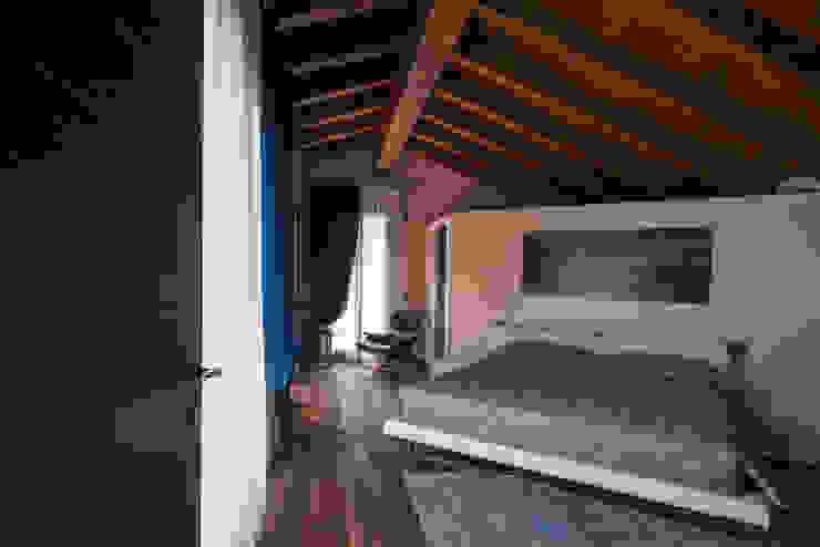 Residenza Colli Veneti Camera da letto in stile mediterraneo di Andrea Tommasi Mediterraneo