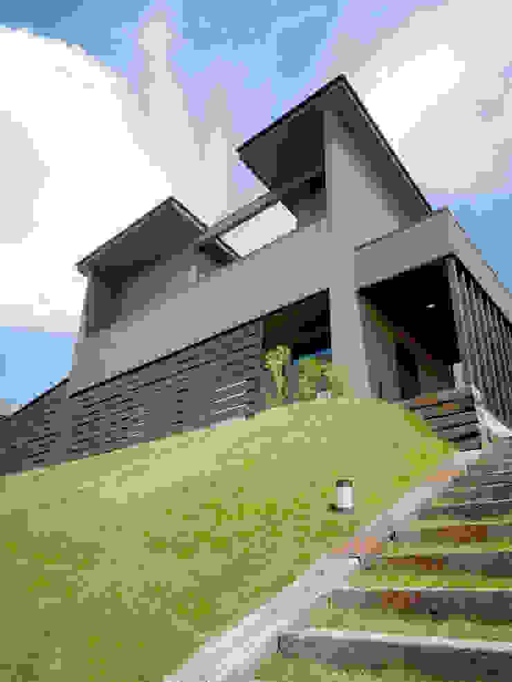 南東面近景 日本家屋・アジアの家 の KEN-空間設計 和風