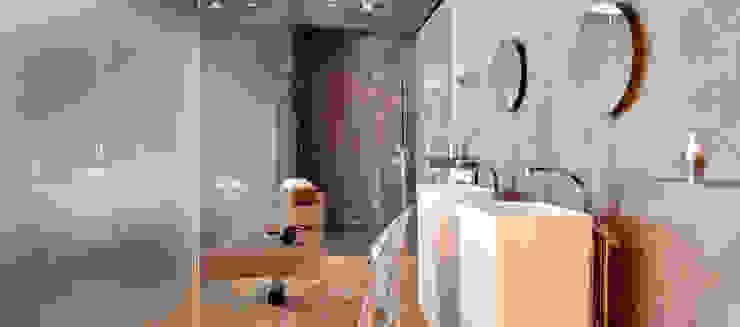 Il bagno inondato di luce naturale Bagno minimalista di Andrea Bella Concept Minimalista