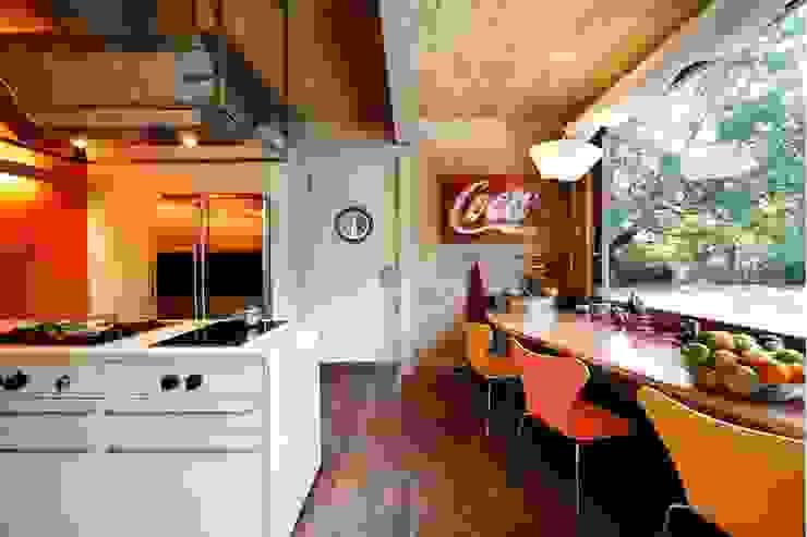 casa in legno Cucina moderna di alberico & giachetti architetti associati Moderno