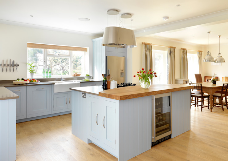 Painted Shaker kitchen by Harvey Jones Dapur Modern Oleh Harvey Jones Kitchens Modern