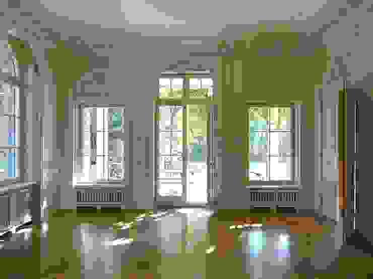 erfolgreiche Restaurierung II Klassische Esszimmer von Atelier von Wecus Klassisch