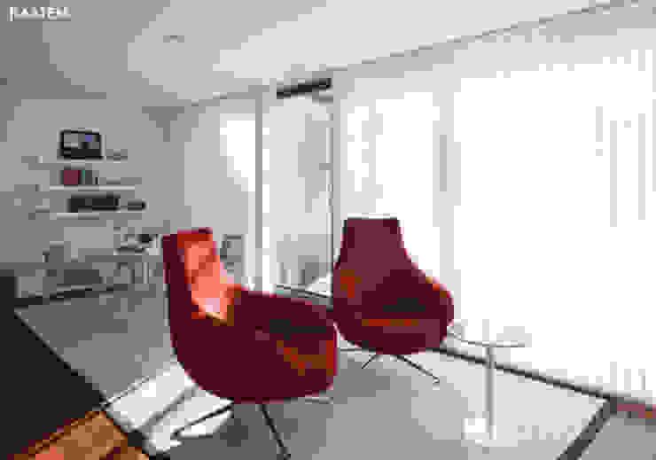 Cortinas verticales para oficinas - Kaaten Estudios y despachos de estilo moderno de Kaaten Moderno