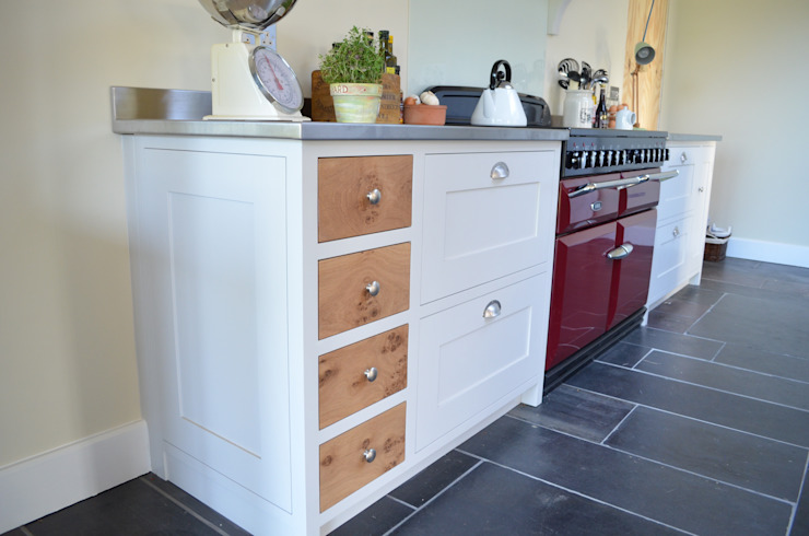 Bespoke Farmhouse Kitchen by Luxmoore & Co Country
