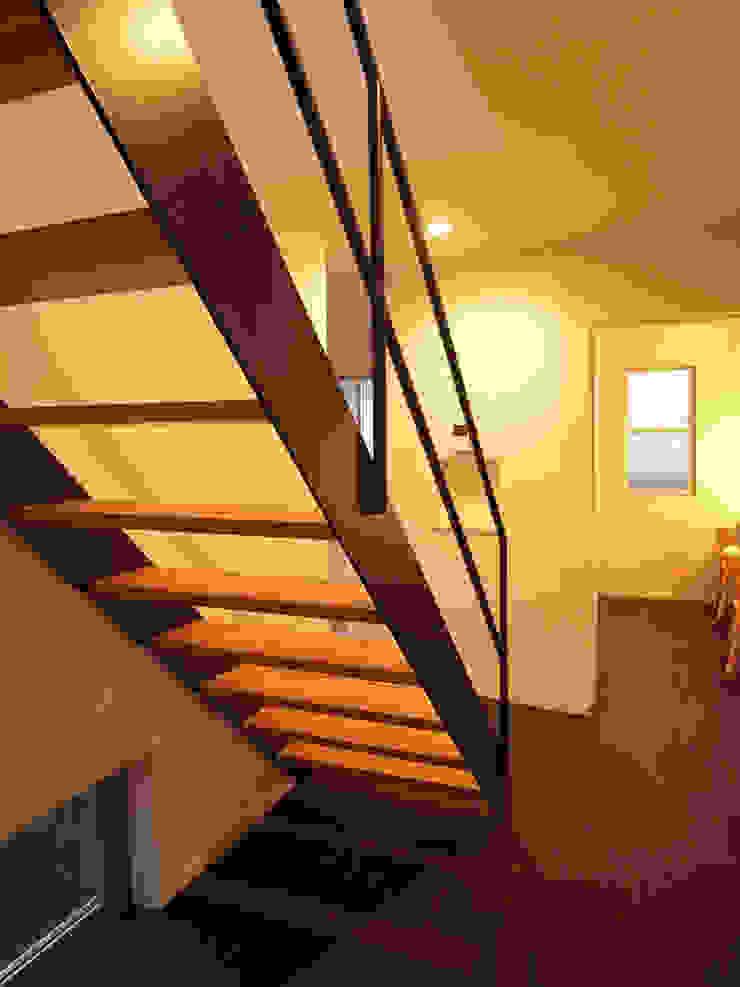 馬木の家 House in Umaki,Matsuyama モダンスタイルの 玄関&廊下&階段 の wada architectural design office 和田設計 モダン