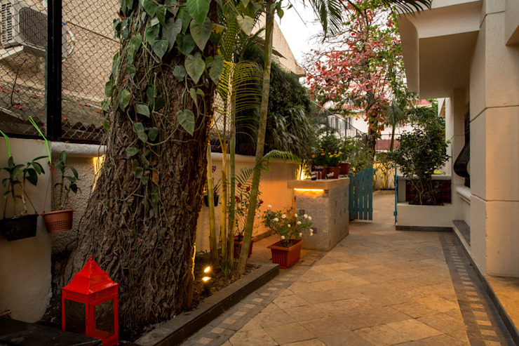 House in Pune Eclectic style garden by The Orange Lane Eclectic