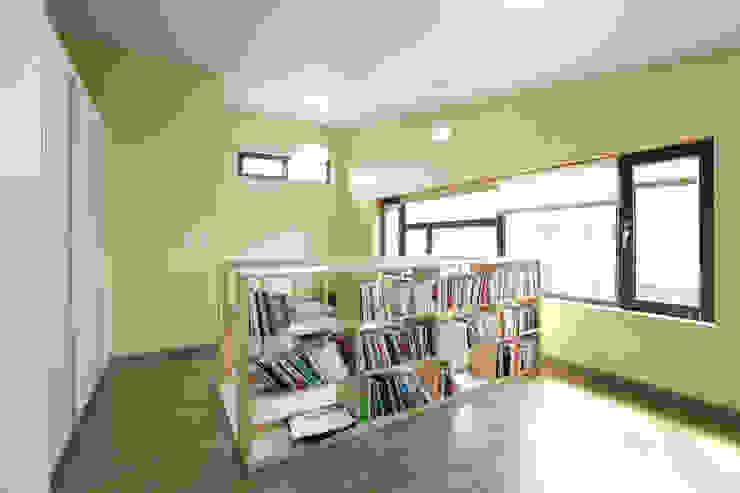 モダンスタイルの寝室 の 주택설계전문 디자인그룹 홈스타일토토 モダン
