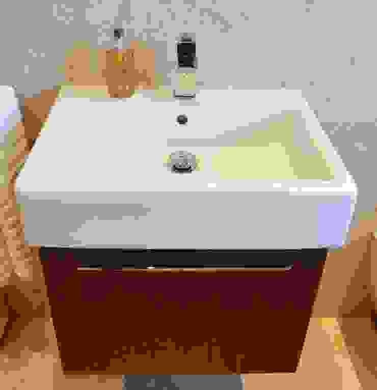 Polished Marble En Suite - Vanity Unit Modern bathroom by Loveridge Kitchens & Bathrooms Modern