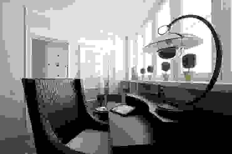 Квартира 120 кв.м. на ул. Комарова, Москва Рабочий кабинет в эклектичном стиле от Дизайн-бюро Галины Микулик Эклектичный
