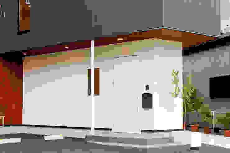 エントランス外観 オリジナルな 家 の アルキテク設計室 オリジナル