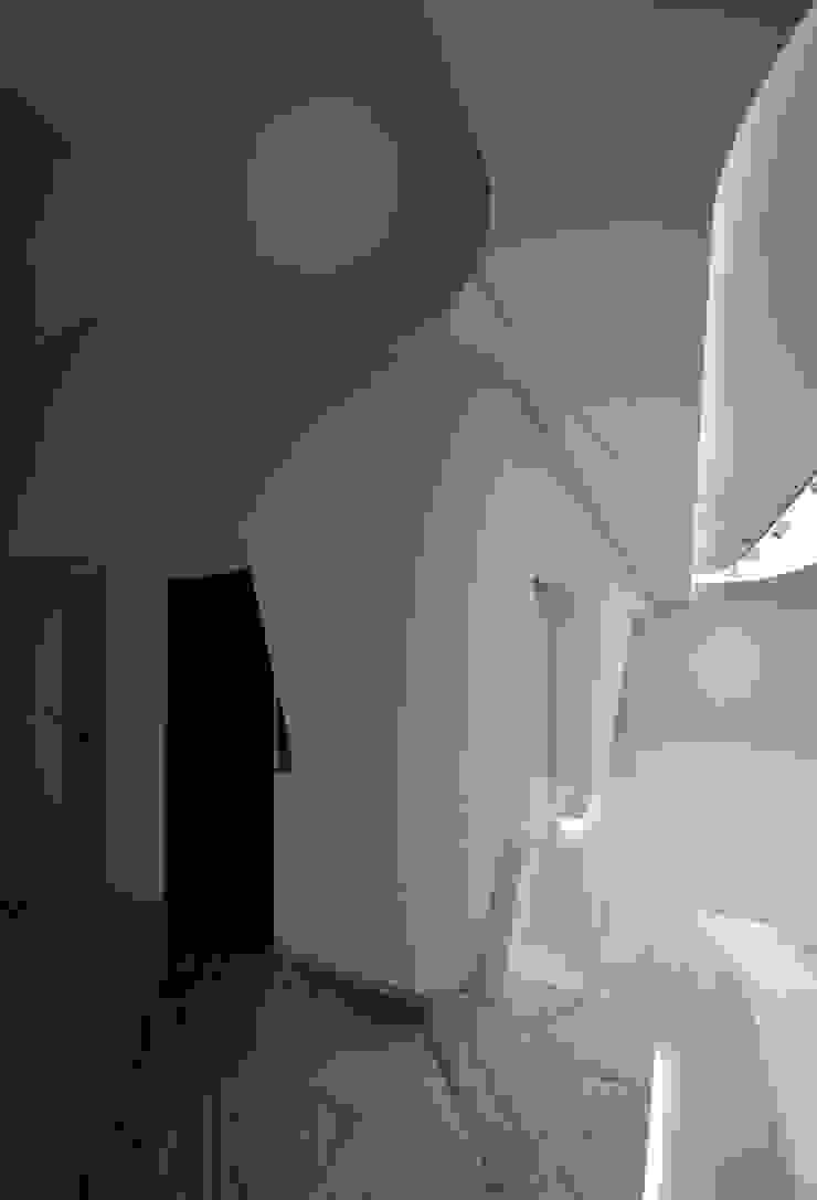 White Wave @ Casa W 미니멀리스트 거실 by Design Tomorrow INC. 미니멀