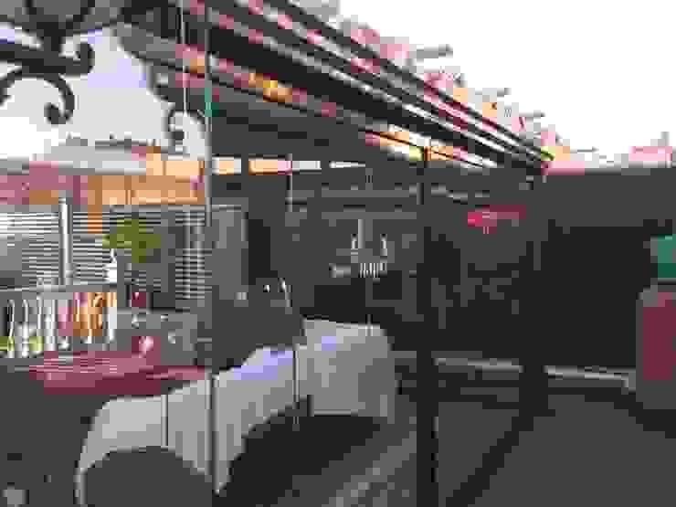 Detalle canalón Casas de estilo minimalista de CERRAMIENTOS ALUMEN&MUÑOZ S.L Minimalista