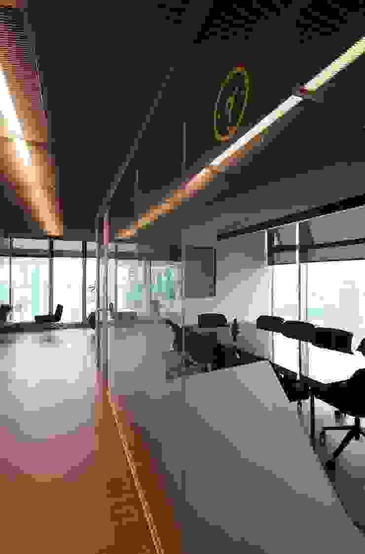 Modern office buildings by VEN MİMARLIK Modern