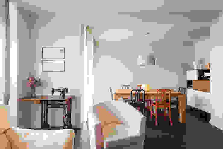Modern dining room by Standal Modern
