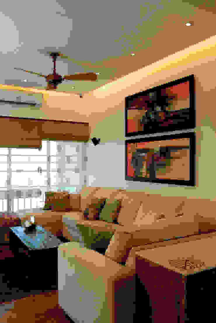 Fusion interiors Minimalist living room by The Orange Lane Minimalist