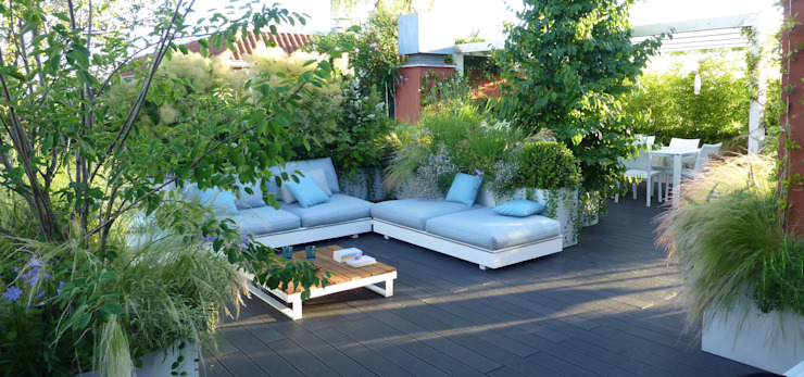 Patios & Decks by CRISTINA MAZZUCCHELLI GREEN DESIGN, Modern