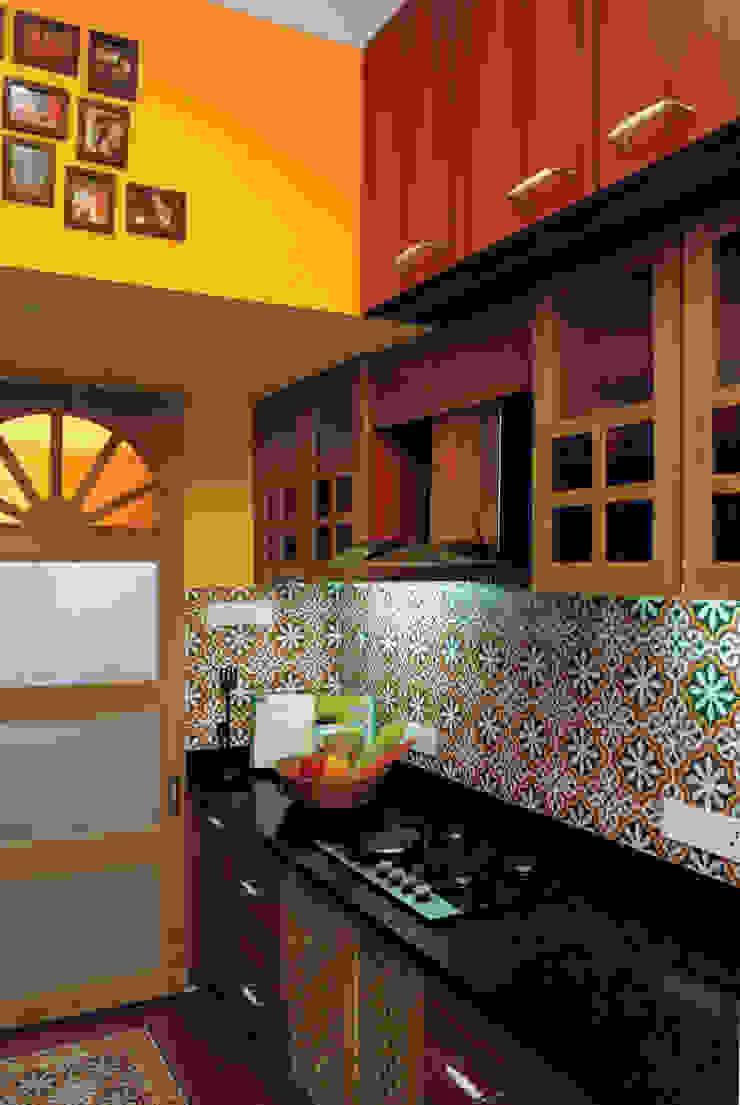 Fusion interiors Minimalist kitchen by The Orange Lane Minimalist