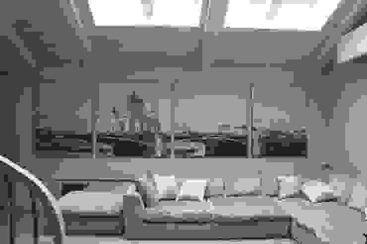 квартира в Москве на Поварской ул от YURTOV STUDIO Лофт