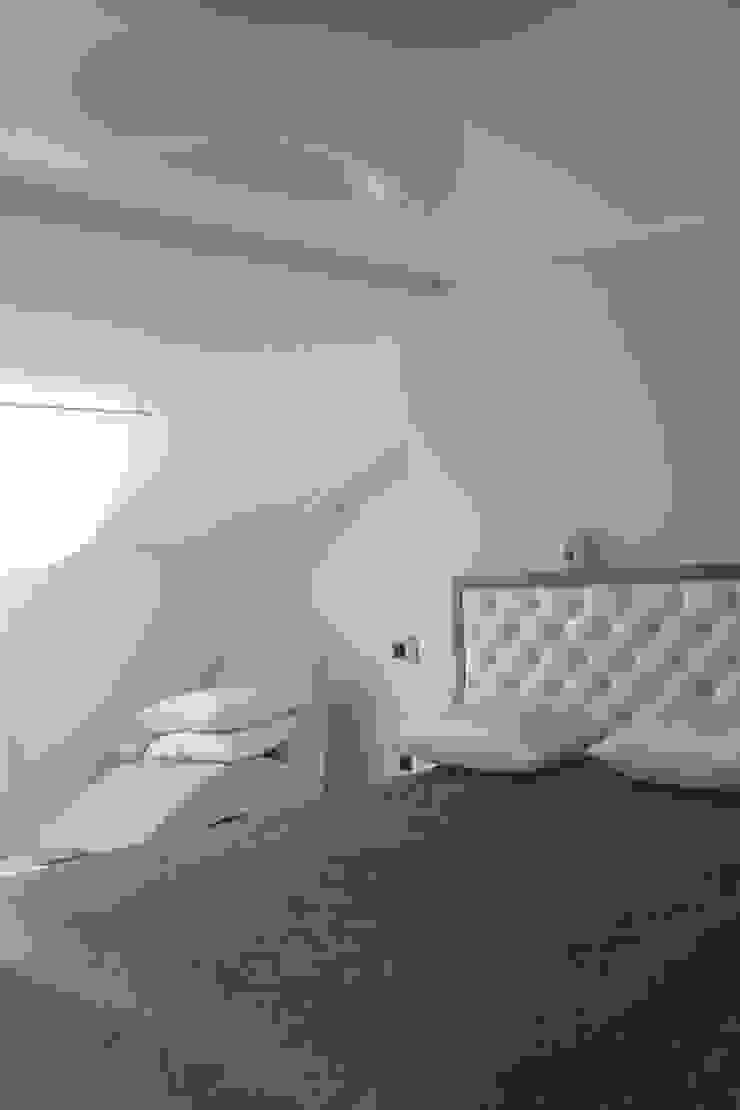 квартира в Москве на Поварской ул Спальня в стиле лофт от YURTOV STUDIO Лофт