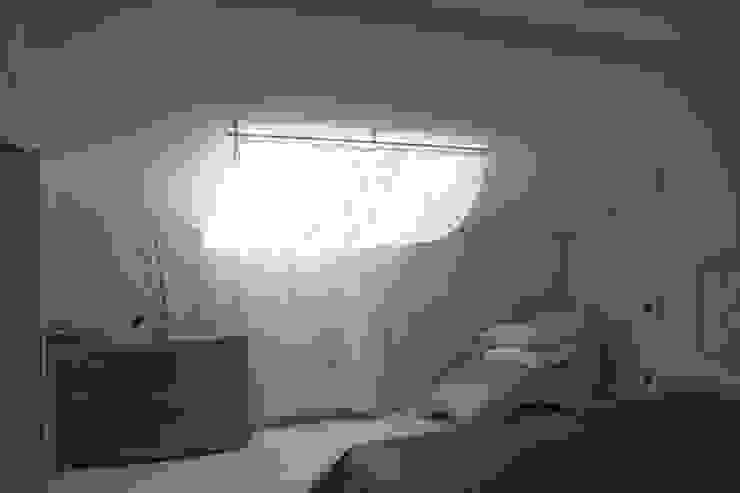 квартира в Москве на Поварской ул Спальня в эклектичном стиле от YURTOV STUDIO Эклектичный